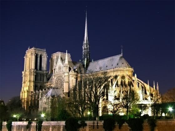 paris-notre-dame-nuit-resize